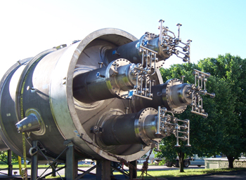 Large ASME stamped pressure vessel made of stainless steel